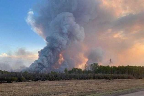 WCS prices jump as Canadian wildfires threaten heavy oil supply
