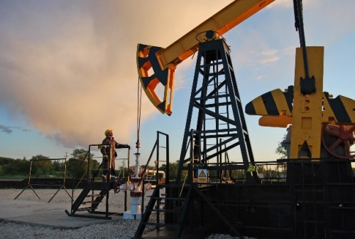 Oil prices rebound on signs of U.S. shale production slowing