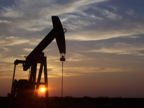 Oil prices fall for second day as virus case count surges